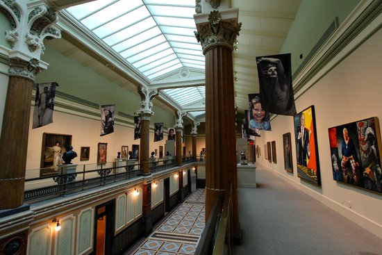 Smithsonian American Art Museum: One of the Galleries of Portraits