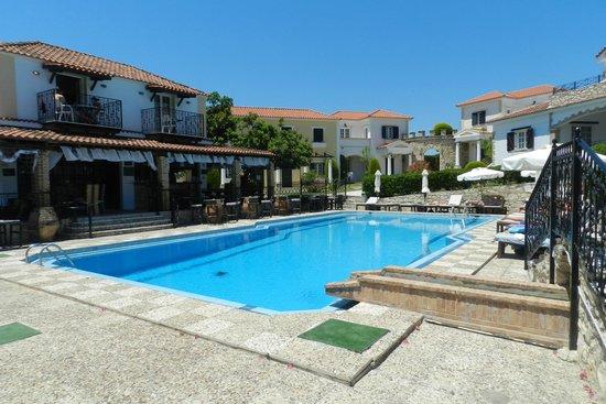 Elanthi Village Apartments: the pool