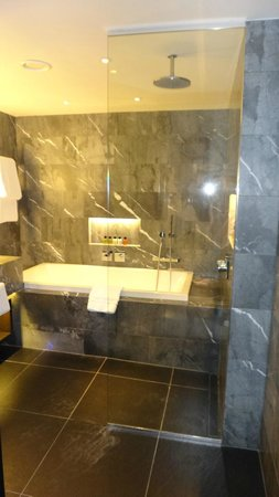 South Place Hotel: Bathroom
