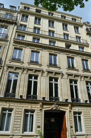 Suites & Hôtel Helzear Champs-Elysées: La façade
