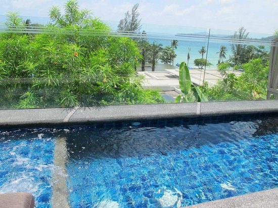 Hyatt Regency Phuket Resort: Ocean view room with small pool