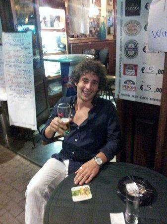 Chaplin's Pub : Best beer in Sorrento