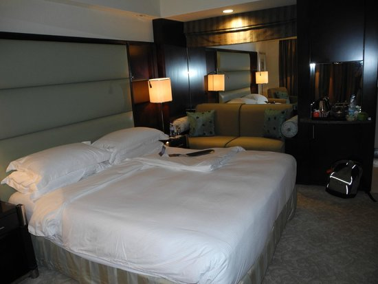 InterContinental Abu Dhabi: Double Standart