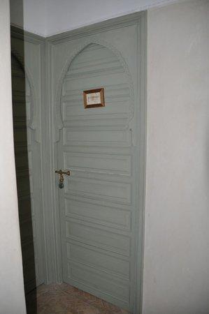 Palacio de las Especias: Puerta Habitacion