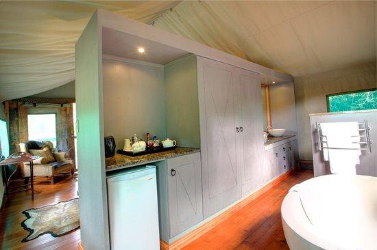 Botlierskop Private Game Reserve: Luxury tented suite bathroom