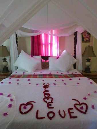 Fond Doux Plantation & Resort: Our first night in African Tulip Cottage