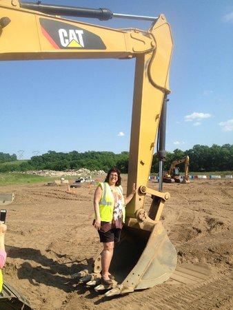 Extreme Sandbox: The mom in the excavator