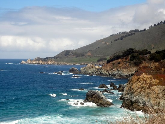 Big Sur Tours and More: O mar contrasta com o céu