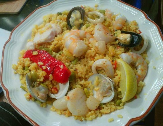 Real Paella: With Fresh Seafood