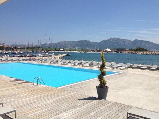 Pullman Marseille Palm Beach: Vue de la terrasse extérieure