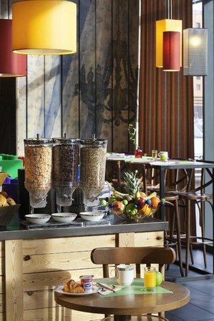 Ibis Styles Lyon Centre - Gare Part Dieu: Buffet Petit-déjeuner