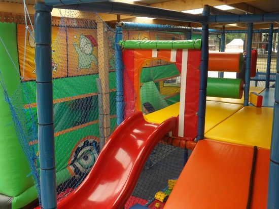 Llandysul, UK: soft play area and inflatable bus