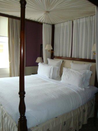 Cranley Hotel : Bett 2