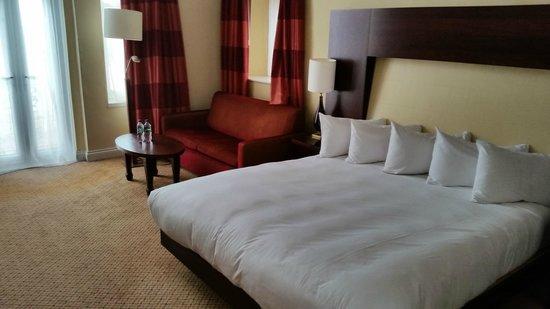 Hilton Brighton Metropole: Beatiful bedroom