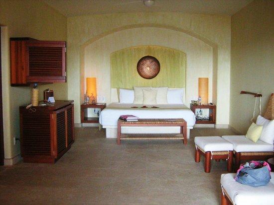 Capella Ixtapa: La cama  super cómoda.