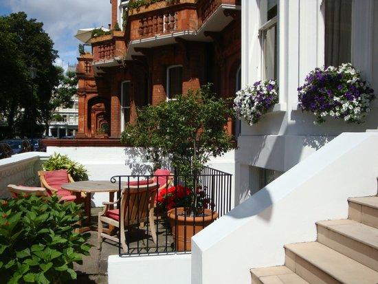 Cranley Hotel : Blick vom Hotel aus in die Strasse