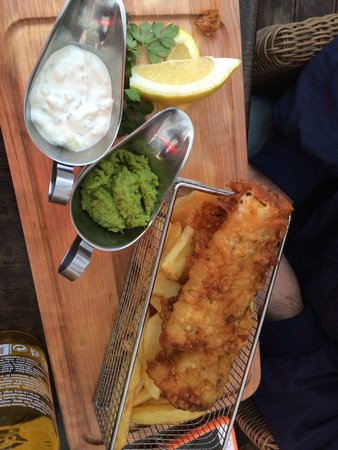 Clayhills Gastropub : Fish and chips