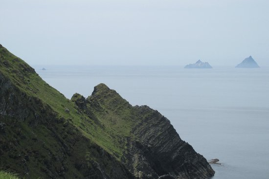 Kerry Cliffs: Skellig Islands in the distance