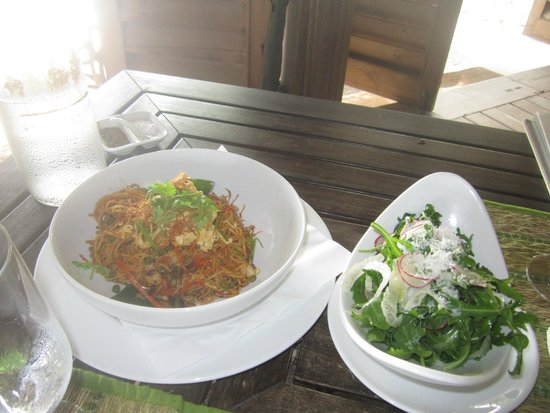 COMO Cocoa Island: Indian Meegoreng with salad (one of lunch manu)