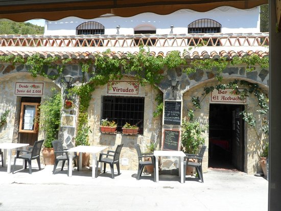 Life Adventure: Jeep Tours & Activities in Nerja: Lunchtime, wonderful food in a beautiful setting