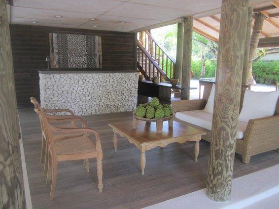 Cocoa Island by COMO: Front area