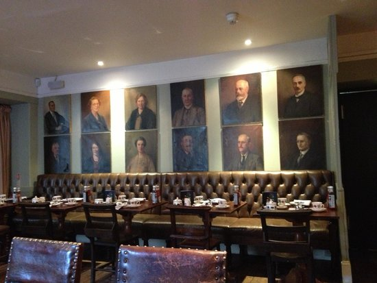 The Wheatsheaf Inn: The main dining room