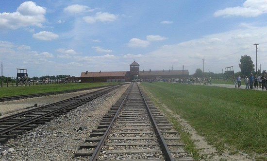 Escape2Poland - tours and transfers: Auschwitz 2