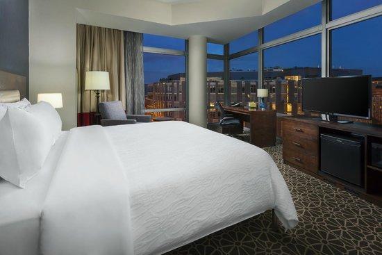 Hilton Garden Inn Washington DC / Georgetown Area : Hilton Garden Inn Washington DC/Georgetown Area - Corner King Guestroom