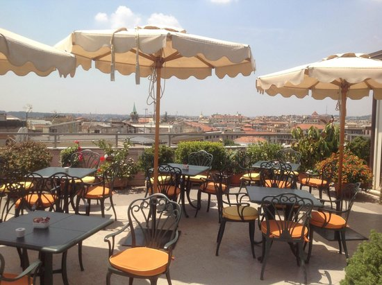 Marcella Royal Hotel: Dining with a superb view