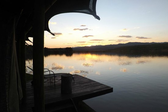 Buffelsdrift Game Lodge : Beautiful sunset