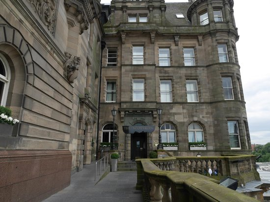 The Scotsman Hotel: Entrance
