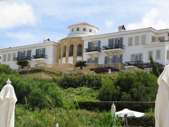 Anassa Hotel: Außenansicht Hotel von Strandseite