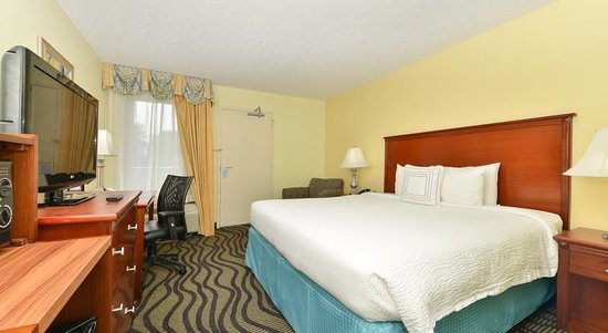 Baymont Inn & Suites Savannah Midtown: Executive King