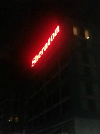 Sheraton Gateway Hotel in Toronto International Airport : Sign at night