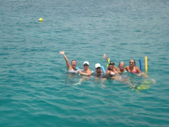 Private Yacht Charter SXM: Girls having fun