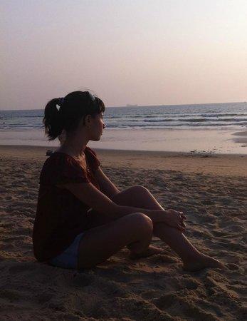 Neelams The Grand : Релакс на пляже