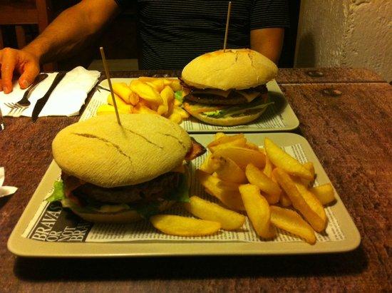 Uptown: Las hamburguesas...