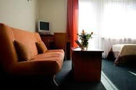 Hotel Pod Jedlami: pokój 3os