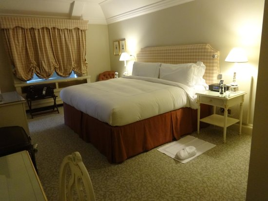 The Merrion Hotel : Lord Antrim suite bedroom