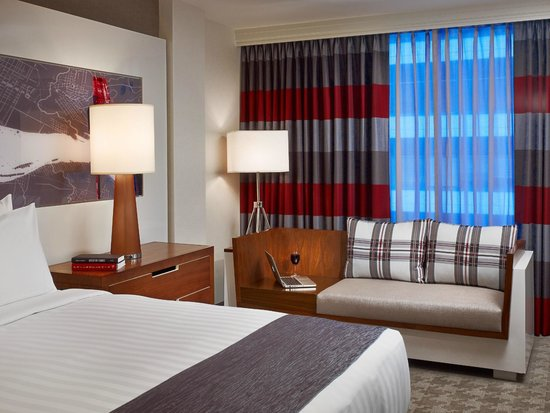 Sonesta Philadelphia Downtown: Newly Re-Designed Guest Room