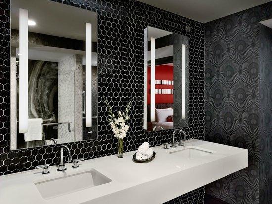 Sonesta Philadelphia Downtown: Newly Redesigned Presidential Suite Bathroom