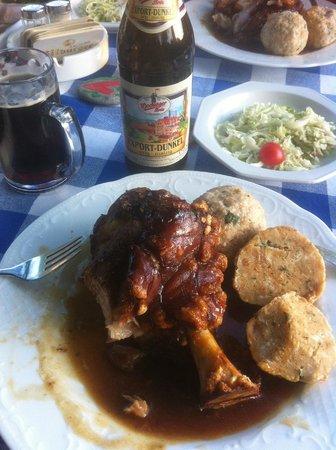 Gasthof Zum Ott : Pork Knuckle and Dunkel, Delicious!!!