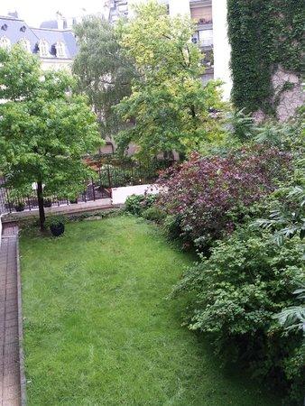 Residence du Roy Hotel : Patio interno vista habitación 106