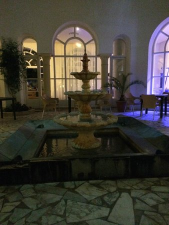 Ramada Liberty Resort Hotel: Water feature