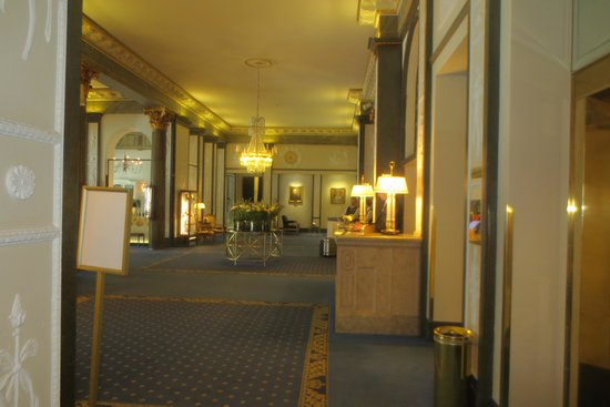 Grand Hotel: Hotel foyer