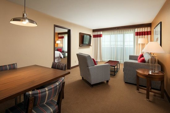 Four Points By Sheraton Phoenix South : 1 Bedroom Suite