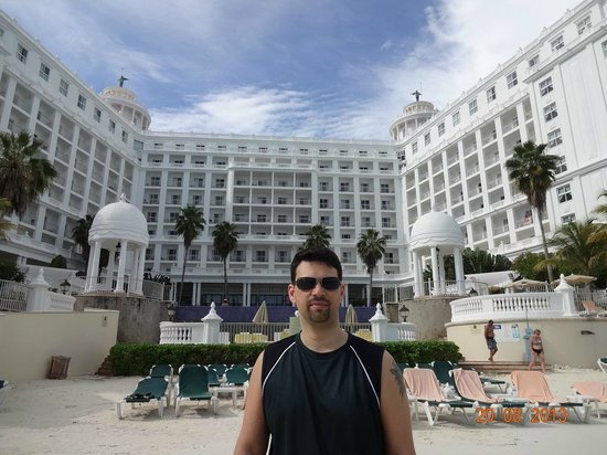 Hotel Riu Palace Las Americas: Vista da beira da praia