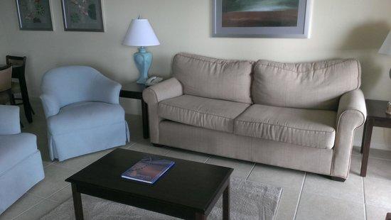Tilghman Beach & Golf Resort : living room