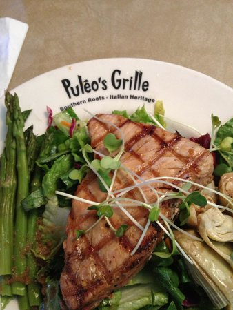 Puleo's Grille: Ahi tuna salad for lunch.