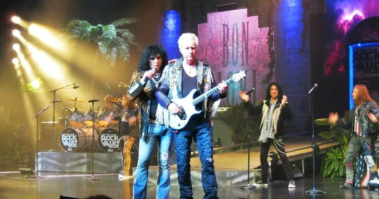 Raiding The Rock Vault : Paul Shortino and Howard Leese - you have to see these guys